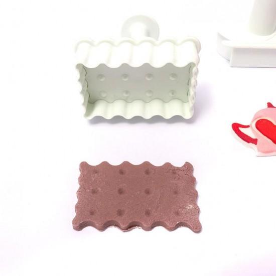 Formelės sausainiams: arbatinukas, puodelis, sausainis, laikrodis
